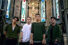 Find images and videos about the vamps, james mcvey and connor ball on We Heart It - the app to get lost in what you love. Bradley Simpson, Brad The Vamps, Artsy Background, Will Simpson, Pop Rock Bands, T Rex, Pop Music, Cute Boys, Boy Bands