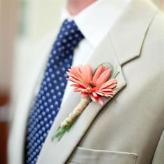 boutonniere for the groomsmen :)
