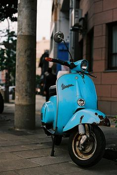 Nikon F3HP + 50mm f/1.4 AI f/2.8 1/500 The second Vespa bike i have photographed in Japan. Two years before in Osaka.