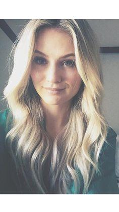 Love Lauren Bushnell's beautiful blonde hair x #bachelor