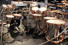 Alex Van Halens 2015 Ludwig Classic Maple Drum Kit