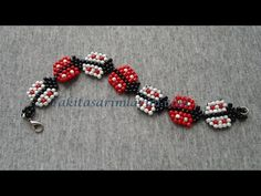 Not English but doable ~ Seed Bead TutorialsSpring Lady Bug Bracelet. Not English but doable ~ Seed Bead Tutorials Seed Bead Bracelets Tutorials, Beading Tutorials, Beading Patterns Free, Seed Bead Patterns, Weaving Patterns, Stitch Patterns, Seed Bead Necklace, Seed Beads, Beaded Rings