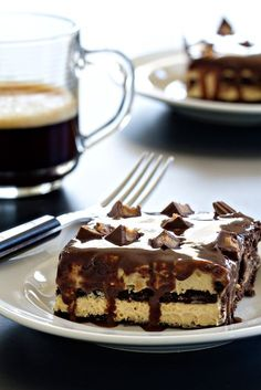 Peanut butter cup eclair cake recipe is everything a chocolate and peanut butter lover could want in a dessert. Plus it's no-bake - perfect for summer!