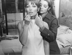 CLAUDE CHABROL, LES BICHES (1968) The door to a labyrinth of trysts and betrayals is opened when the wealthy and bisexual  Frederique (Stéphane Audran) seduces young Parisian street artist Why (Jacqueline Sassard) and then takes her to a villa in St. Tropez to spend the winter.