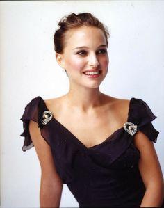 Nathalie Portman, Actresses, Fashion, Female Actresses, Moda, Fashion Styles, Fashion Illustrations