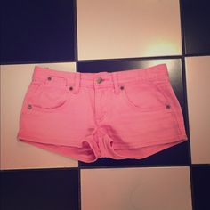 Pink Roxy shorts Pink Roxy shorts. Gentle wear in good condition. Please ask all questions before purchasing and please use the offer button, thanks! Roxy Shorts Jean Shorts