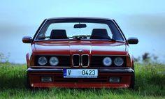 Další krásná fotka od našeho fanouška - BMW řady 6, které ani po letech neztrácí nic ze svého pověstného lesku.