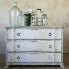 great distressing....water based paint finish, sealed with an oil-based stain