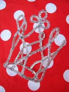 WhiMSy love: Pipe Cleaner Princess Tiara Tutorial