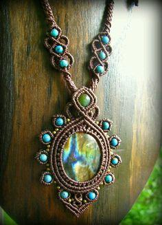 Collar macrame con piedras aquamarine y florita..#Magaly12323