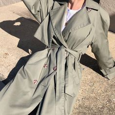 Гардероб 2020: силуэты, вещи, сочетания – Woman Delice Minimal Fashion, Urban Fashion, Retro Fashion, Uni Outfits, Casual Outfits, Fashion Outfits, Olive Clothing, Tennis Fashion, City Style