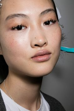 Jason Wu Bks Bis at New York Fall 2016. http://adventuresfortwo.com/ #makeup #beauty #runway #backstage