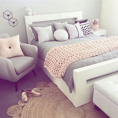 Loving the colour combo of light pink and grey