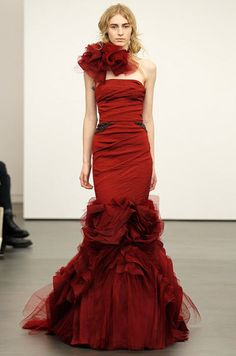 Red Wedding Dresses by Vera Wang...wow, to die forrrr
