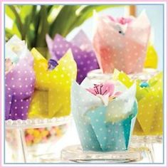 Easter treats can be made into adorable DIY gifts with a few of your favorite Easter candies! Follow these simple steps to make sweet no-bake treats that kids will love. These would make great party and...