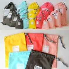 Multi Function Waterproof Travel Bag Set of 4 Weight: 100g Material: Lylon Packaging: Thick PVC Zip Bag Size: L- 44 X 30mm          M - 30 X 22mm          S - 22 X 15mm          XS – 15 X 11mm 5 colors are available now HKD 45/set