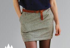"""Cette année, dans mon dressing d'hiver il y aura une jupe en tweed """"pied de poule"""" (ou pied de coq, je n'ai pas bien saisi la différence). Ce n'est pas flagrant, mais elle est de couleur chocolat et beige. C'est le même modèle qu'ici, le 4C du Burda couture facile A/H 2012. J'ai simplement rajouté des poches et fait des plis plats a la taille. Je l'aime tellement qu'il n'est pas impossible qu'elle ait encore une petite soeur prochainement..."""