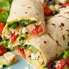 Greek Grilled Chicken & Hummus Wrap - Cooking Classy Greek Grilled Chicken & Hummus Wrap - Cooking Classy Original article and pictures . Protein Wraps, Protein Lunch, Healthy Wraps, Healthy Snacks, Healthy Eating, Healthy Recipes, High Protein, Simple Recipes, Healthy Burritos