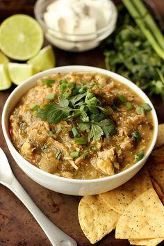 Slow Cooker Chicken Chile Verde {Gluten-free, Dairy-free, Paleo-friendly} - Tasty Yummies