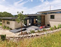 Ingenious New Building Method Replaces Concrete Block with Rammed Earth - Photo 9 of 10 -