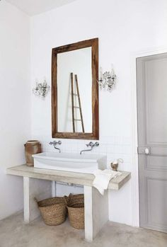 OMG, forget the rest... greige: interior design ideas and inspiration for the transitional home : Grey door in the bath...