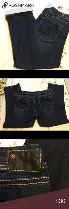 """Silver Suki Capri Jeans Thick Stitch W34 Very good clean condition.  Waist up to 36"""". Inseam 26"""". Rise 9"""". Silver Jeans Jeans"""