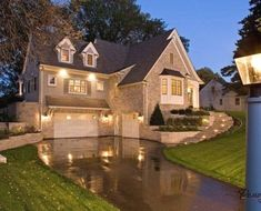 In case you do not know, curb appeal refers to the front exterior of the house. It includes the architectural facade of the house as well as the front yard Exterior Tradicional, Plans Architecture, Architecture Design, Future House, My House, Garage House, Garage Stairs, Garage Doors, Front Doors