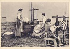 Donne al lavoro nella trattura della seta