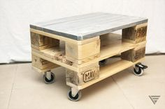 Euro Pallet Coffee Table on Wheels | 99 Pallets