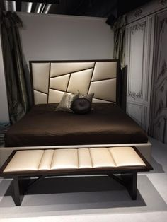 Something's been stolen! ELAN & SHOW #HPMkt #HPMktSS With 9 faceted sections, designers love the possibilities!