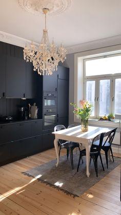 Black Ikea Kitchen, Black Kitchens, Ikea Hacks, Minimalism, Chandelier, Ceiling Lights, Interior Design, Inspiration, Furniture