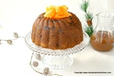 Rum-soaked raisins combine with grated carrots and shredded potatoes and spices to make a flavorful steamed pudding that is perfect with brown sugar sauce or eggnog sauce. Steamed Carrot Pudding Recipe, Pudding Recipes, Pudding Ingredients, Raw Potato, Shredded Potatoes, Rich Recipe, Mouth Watering Food, Christmas Pudding