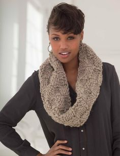 Checkerboard Cowl ~ Free pattern Lion Brand yarns