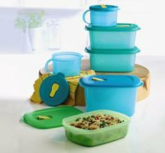 For on-the-go meals and so much more The vented, virtually airtight and liquid-tight seals prevent splatters in the microwave while the large tab makes seal removal easy. Includes CrystalWave® 4-Cup/1 L Rectangular, 9½-Cup/2.3 L Rectangular plus two 7-Cup/1.7 L. Rectangulars and two Soup Mugs.  • In Caribbean Sea/Chickadee/Midori/Turquish. • Dishwasher safe. •