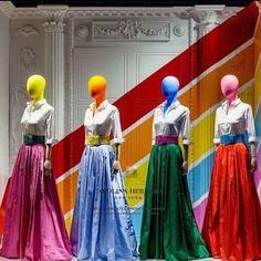 Carolina Herrera at Sacks on Fifth Avenue Retail Windows, Store Windows, Shop Window Displays, Store Displays, Display Windows, Clothing Boutique Interior, Retail Architecture, Visual Merchandising Displays, Vintage Display