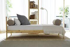 Făcut din materiale naturale și durabile, cadrul de pat FJELLSE este rezistent la uzură, pentru cât mai multe nopți liniștite.  Fă loc visurilor noi și economisește până la 20% la achiziționarea unui pat nou. Oferta este valabilă până pe 5 noiembrie, în limita stocului disponibil, pentru membrii IKEA FAMILY. Ikea Design, Room Interior, Interior And Exterior, Kids Bedroom, Bedroom Ideas, Kids Rooms, Ikea Home, Minimalist Bedroom, Houses
