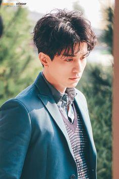 Asian Actors, Korean Actors, Lee Dong Wook Goblin, Lee Dong Wook Wallpaper, Lee Dong Wok, Korean Entertainment, Gong Yoo, Kdrama Actors, Korean Celebrities
