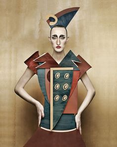 """Dame di Cartone (""""Cardboard Ladies"""") is a project by Swiss-Italian photographer Christian Tagliavini in which he creates portraits of women that mimic the look of historical paintings. The styles include century, fifties, and cubism. Cubism Fashion, Arte Fashion, Paper Fashion, Fashion Fashion, Fashion Trends, Cardboard Costume, Cardboard Art, Illustration Arte, Art Photography"""