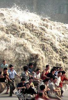 O AVISO DE DEUS 1: O Anjo da morte  - Tsunami 26/12/2004