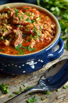 Georgian Georgian goulash soup - heaven on a plate Best Soup Recipes, Diet Recipes, Cooking Recipes, Favorite Recipes, Healthy Recipes, A Food, Food And Drink, Best Food Ever, Soups And Stews