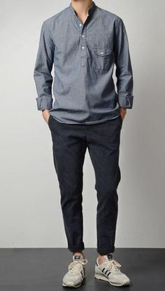 Browse the latest styles in men's casual shirts from Frank And Oak. Featuring plaid shirts, casual-button down shirts, and formal dress shirts. Style Casual, Casual Outfits, Fashion Outfits, Fashion Tips, Fashion Photo, Casual Guy, Casual Pants, Style Fashion, Outfit Online