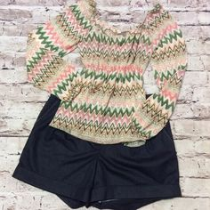 💐STRADIVARIUS AZTEC PRINT TOP💐 Pretty colors along with the Aztec print make a winning combination.. Baby doll style and this large fits more like a Junior Medium. T-1 Stradivarius Tops Blouses