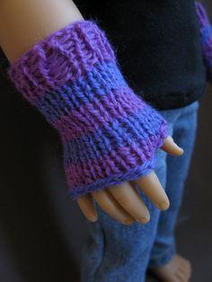 Striped gloves for 18 inch dolls.via Etsy.