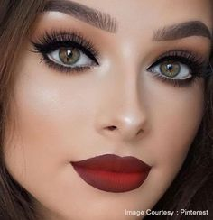 Dimensional Lips  Of course, your lips will not be left behind. This spring, bold statement lips are the name of the game as you will be seeing more dimensional designs like overlay of glitters, ombre and many more.