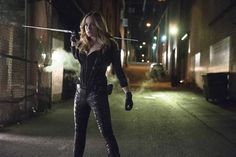 Why Sara Lance's Legends of Tomorrow Return Won't Invalidate Arrow