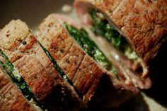 Dwie Chochelki: Rolada z polędwiczki wieprzowej ze szpinakiem Spinach, Pork, Beef, Recipes, Pork Meat, Dishes, Kale Stir Fry, Meat