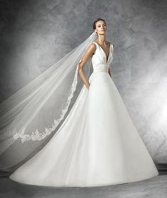 Plaza, vestido de novia sencillo escote pico