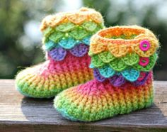 I know some girls ho would love these! Child Size Crocodile Stitch Crochet Boots - Knitting Patterns by Lianka Azulay Crochet Crocodile Stitch, Stitch Crochet, Knit Crochet, Crochet Woman, Hand Crochet, Free Crochet, Crochet Boots, Crochet Baby Booties, Crochet Slippers