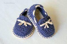 Zapatitos tipo mocasín tejidos en crochet