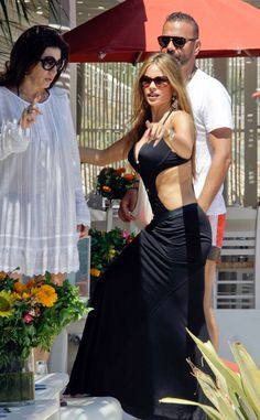 Sofia Vergara Relaxes Oceanside with Shirtless Nick Loeb!: Photo Sofia Vergara rocks a cutout swimsuit while lounging on the beach on Sunday (July in Mykonos, Greece. Sofia Vergara Bikini, Sofia Vergara Hot, Sofia Vargara, Cut Out Swimsuits, Bikini Pictures, Bikini Pics, Black Swimsuit, Beautiful Celebrities, Celebrity Style
